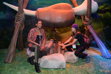 Alexis Knapp Nintendo Hosts Celebrities At 2016 E3 Gaming Convention