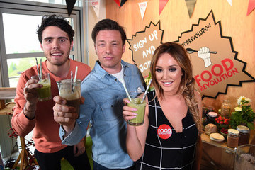 Alfie Deyes Jamie Oliver's Food Revolution Day