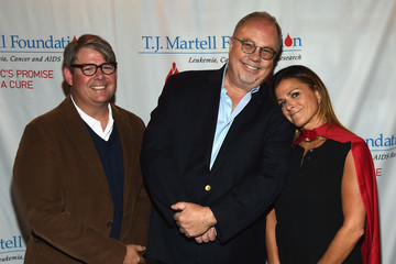 Ali Harnell T.J Martell Foundation's 2016 Ambassador of the Year Roasting Universal Music Group Nashville Chairman and CEO Mike Dungan
