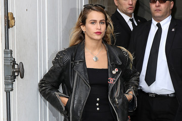 Alice Dellal Chanel : Outside Arrivals  - Paris Fashion Week Womenswear Fall/Winter 2014-2015