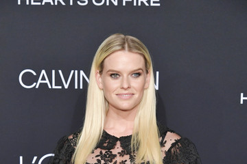 Alice Eve ELLE's 25th Annual Women In Hollywood Celebration Presented By L'Oreal Paris, Hearts On Fire And CALVIN KLEIN - Red Carpet