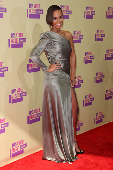 http://www1.pictures.zimbio.com/gi/Alicia+Keys+2012+MTV+Video+Music+Awards+Arrivals+GedTkEdTuO_l.jpg
