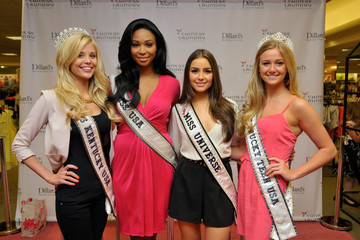 Allie Leggett Chinese Laundry Presents: Miss Universe, Olivia Culpo And Miss USA, Nana Meriwether At Dillards