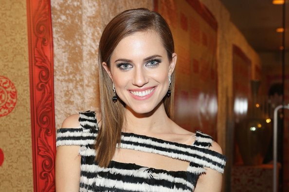 Try These Products to Get Allison Williams's EXACT Smoky Eye