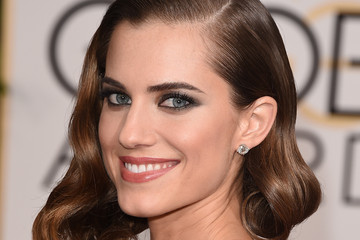 Allison Williams Arrivals at the Golden Globe Awards — Part 2