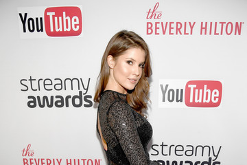Amanda Cerny The 6th Annual Streamy Awards Hosted by King Bach and Live Streamed on YouTube - Red Carpet