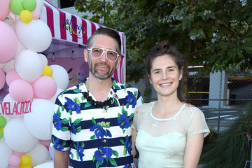 Amanda Knox Seth Rogen And Lauren Miller Rogen Host Hilarity For Charity's County Fair