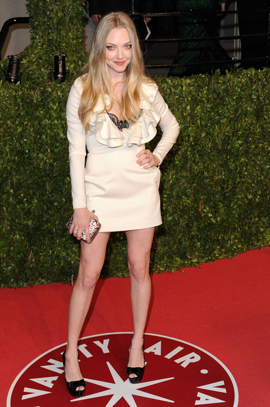 Amanda Seyfried Actress Amanda Seyfried arrives at the Vanity Fair Oscar party hosted by Graydon Carter held at Sunset Tower on February 27, 2011 in West Hollywood, California.
