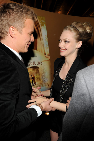 chris egan dating amanda seyfried Christopher andrew egan is an australian actor chris egan was merged with this page with amanda seyfried.
