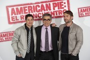 """(L to R) Actors Jason Biggs, Eugene Levy and Seann William Scott attend """"American Pie: Reunion"""" (American Pie: El Reencuentro) photocall at Villamagna Hotel on April 19, 2012 in Madrid, Spain."""