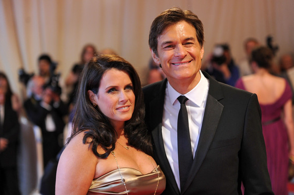 Lisa Oz Lisa Oz and Dr. Mehmet Oz attend the Costume Institute Gala ...