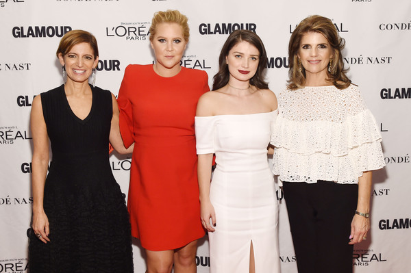 Looks - Amy glamour schumer awards video