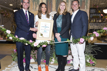 Amy Wakeland Ribbon Cutting at the Honest Company's New Headquarters