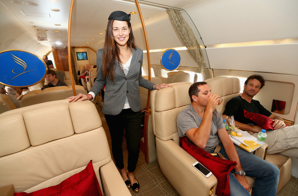 how to become a stewardess on a private jet