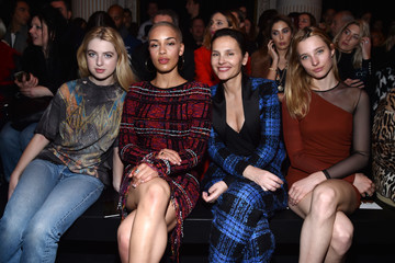 Anais Gallagher Balmain : Front Row  - Paris Fashion Week Womenswear Fall/Winter 2017/2018