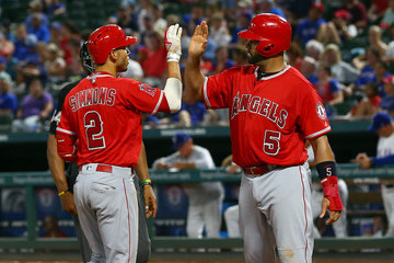 Andrelton Simmons Los Angeles Angels of Anaheim v Texas Rangers