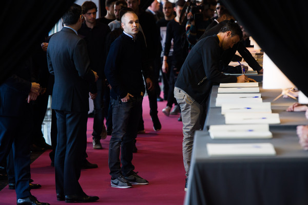 Johan Cruyff's Memorial at the Camp Nou Stadium [event,fashion,red carpet,design,carpet,architecture,flooring,audience,performance,convention,johan cruyff,luis enrique martinez,andres iniesta,c,condolence message,tribute,memorial at the camp nou stadium,stadium,condolence area,fc barcelona]