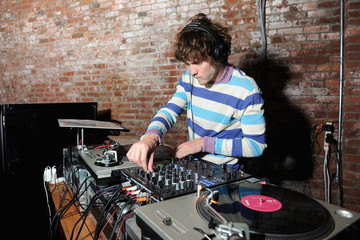 Andrew VanWyngarden 2015 Pioneer Works 2nd Annual Village Fete