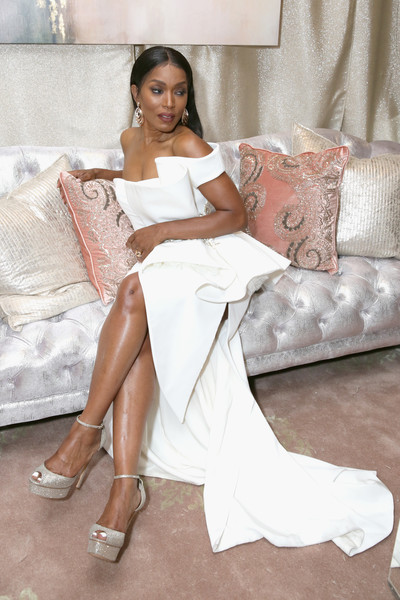Angela Bassett Photos - 9 of 2340