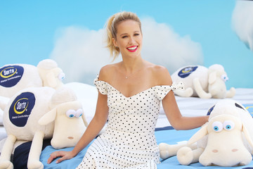 Anna Camp Anna Camp Joins Serta Mattress To Announce Nationwide Instagram Sweepstakes
