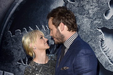 Anna Faris Premiere of Universal Pictures' 'Jurassic World' - Red Carpet