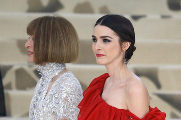Anna Wintour Bee Shaffer Heavenly Bodies: Fashion & The Catholic Imagination Costume Institute Gala - Outside Arrivals