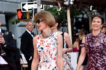 Anna Wintour FIJI Water At 2016 Tony Awards