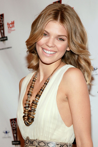 http://www1.pictures.zimbio.com/gi/AnnaLynne+McCord+26th+Annual+Lucille+Lortel+9Cci4CgE3S8l.jpg