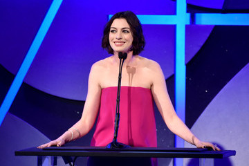 Anne Hathaway 19th Annual Art Directors Guild Excellence In Production Design Awards - Show