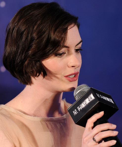 Anne Hathaway Actress: Anne Hathaway Photos Photos