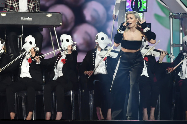 MTV EMAs 2017 - Show [performance,stage,music,musician,musical ensemble,event,pop music,singer,performing arts,concert,anne marie,stage,england,london,sse arena,wembley,mtv,clean bandit,emas 2017 - show]