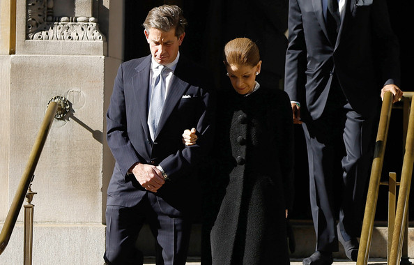 Funeral Held for Oscar De La Renta [event,suit,performance,microphone stand,white-collar worker,microphone,formal wear,tuxedo,gesture,oscar de la renta,annette de la renta,new york city,st. ignatius of loyola,funeral]