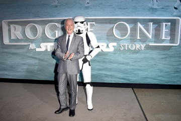 Anthony Daniels Red Carpet Arrivals Of Lucasfilm's 'Rogue One: A Star Wars Story'