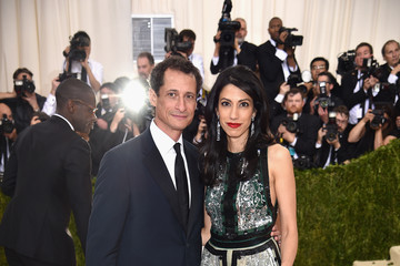 Anthony Weiner 'Manus x Machina: Fashion In An Age of Technology' Costume Institute Gala - Arrivals