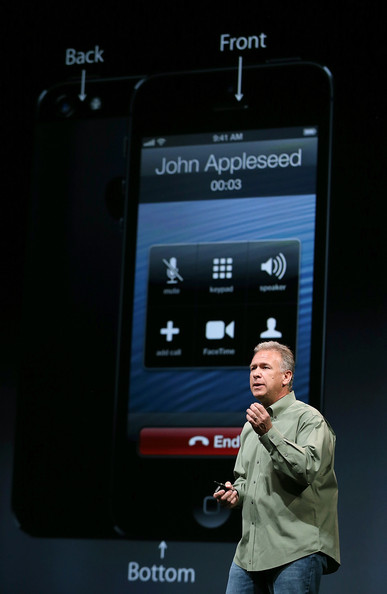 http://www1.pictures.zimbio.com/gi/Apple+Introduces+iPhone+5+Ld__Mcg5mukl.jpg