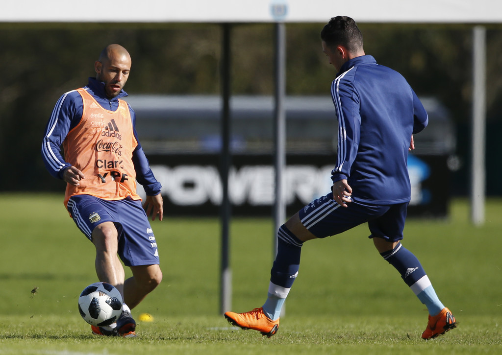 [Imagen: Argentina+Training+Session+N7oz7X0SaCcx.jpg]