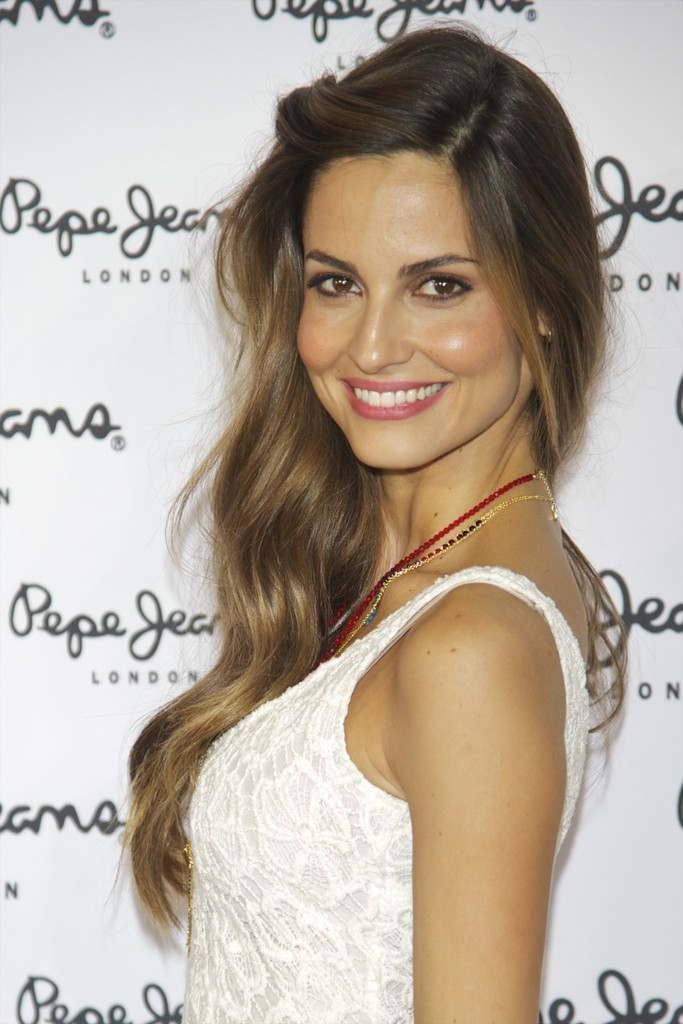 Ariadne artiles attends 39 pepe jeans 39 new store opening in for Ariadne artiles medidas