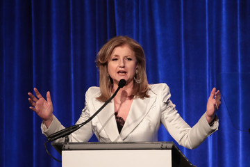 Arianna Huffington Hillary Clinton Receives Trailblazer Award From LGBT Center In NYC