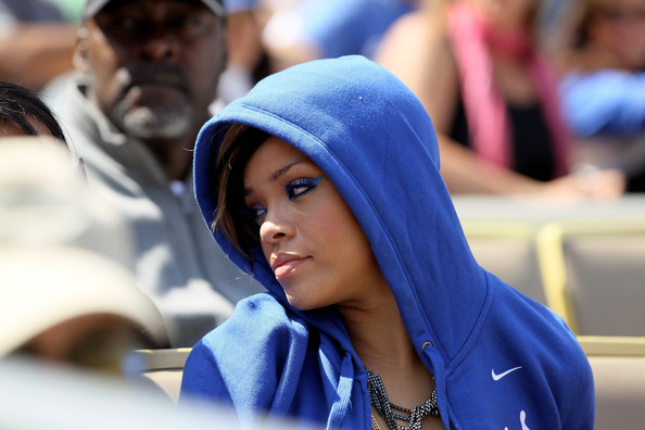 Rihanna...... - Page 2 Arizona+Diamondbacks+v+Los+Angeles+Dodgers+aEKSL_mFG6xl