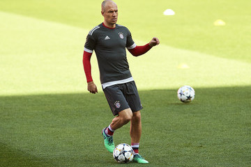 Arjen Robben Bayern Muenchen Training And Press Conference