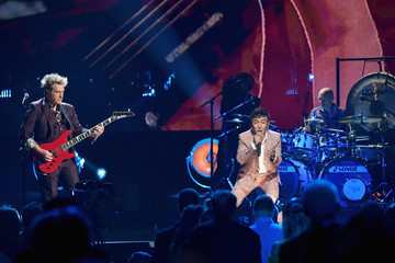 Arnel Pineda 32nd Annual Rock & Roll Hall Of Fame Induction Ceremony - Show