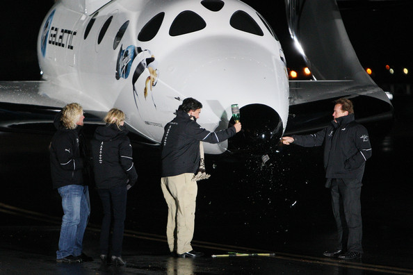 Virgin Galactic's SpaceShipTwo, First Commercial Spacecraft, Unveiled In CA [airplane,aerospace engineering,vehicle,aircraft,airliner,aviation,space,narrow-body aircraft,boeing,wide-body aircraft,richard branson,bill richardson,arnold schwarzenegger,burt rutan,spaceshiptwo,spacecraft,ca,mojave spaceport,virgin galactic,first commercial spacecraft]