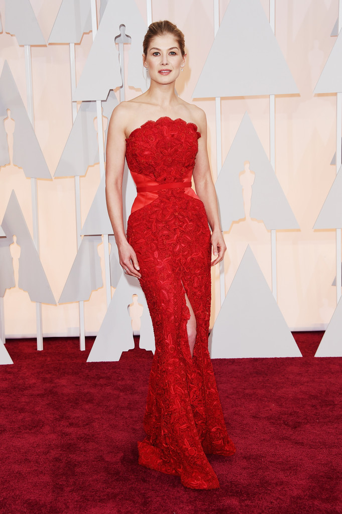 Rosamund Pike's Red Gown (Oscars Photos)
