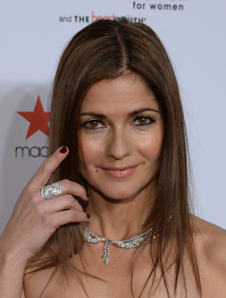 Jill Hennessy Photos Photos - Arrivals at the Go Red for ...