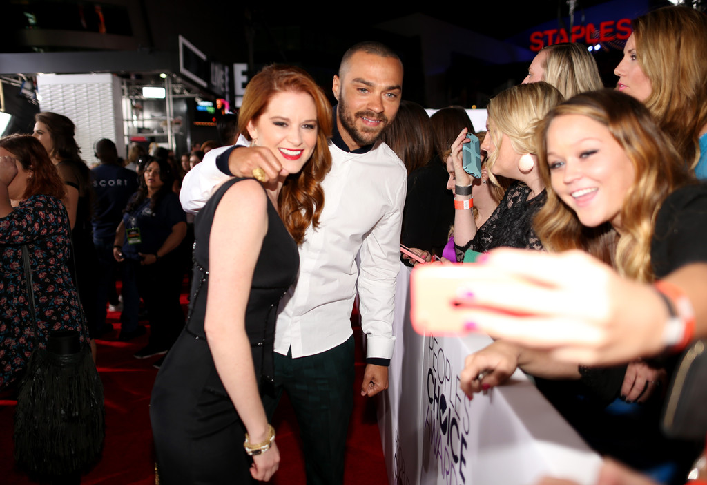 Arrivals People Choice Awards Part 2 oIKZTynxgltx jpgJesse Williams And Sarah Drew