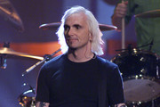Art Alexakis of Everclear performing on the 2000 Radio Music Awards at the Aladdin Hotel in Las Vegas, Nevada, Saturday November 4, 2000.