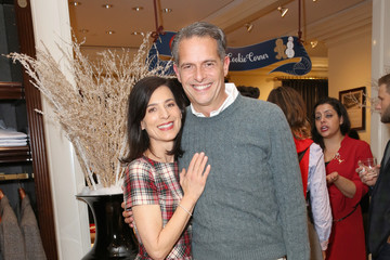 Arthur Wayne Brooks Brothers Celebrates the Holidays With St. Jude Children's Research Hospital