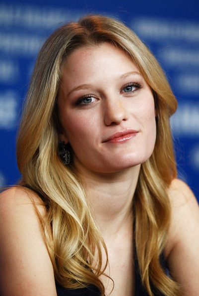 Ashley Hinshaw - Beautiful Photos