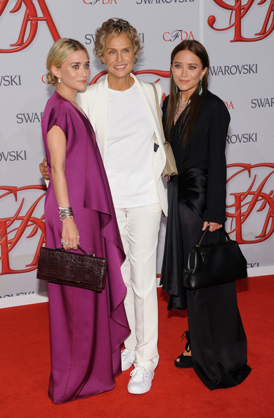 2012 CFDA Fashion Awards - Arrivals [flooring,beauty,carpet,fashion,red carpet,formal wear,girl,suit,event,haute couture,arrivals,mary-kate olsen,ashley olsen,lauren hutton,l-r,new york city,alice tully hall,cfda fashion awards]