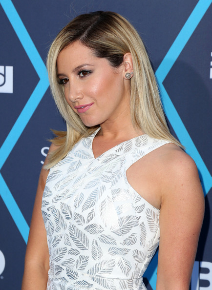 Ashley Tisdale[3] - Page 37 Ashley+Tisdale+2014+Young+Hollywood+Awards+26o4Enb-DXZl